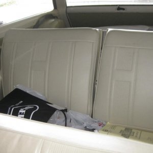 Rare split rear seat in a 6 passenger wagon